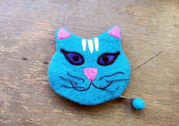 画像1: バッグ:ネパールフェルト猫ポーチ みずいろ