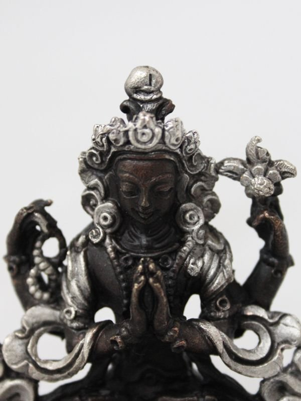 画像2: ネパール ブロンズ・シルバー アヴァロキテシュワラ(六字咒観音菩薩)3インチ