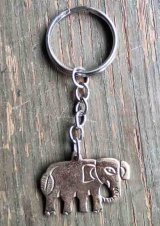 ネパール キーホルダー:真鍮ゾウ